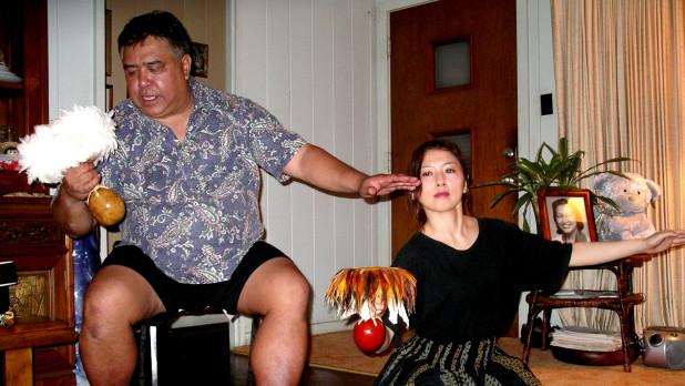 フラダンスの師 クム・フラ・クラ・アビバ氏